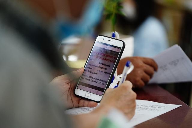 TPHCM: 99,9 % người dân hài lòng khi làm thủ tục bảo hiểm xã hội - 4