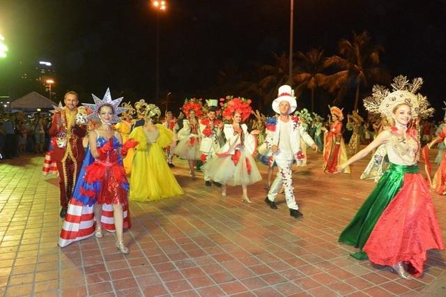 Vũ hội đường phố được tổ chức hàng tuần ở Đà Nẵng - 1