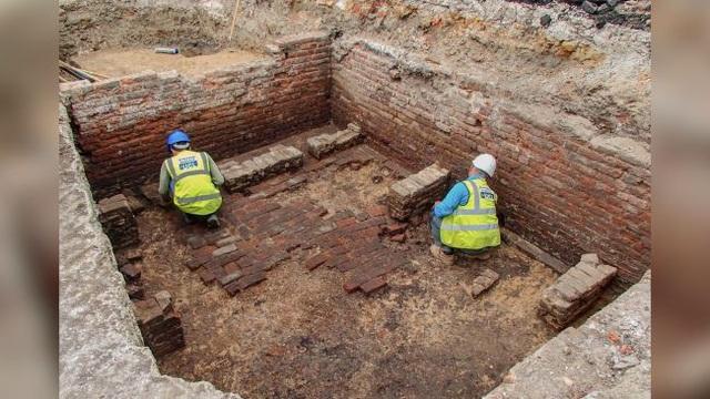 Tìm thấy Nhà hát cổ xưa nhất ở London - 1