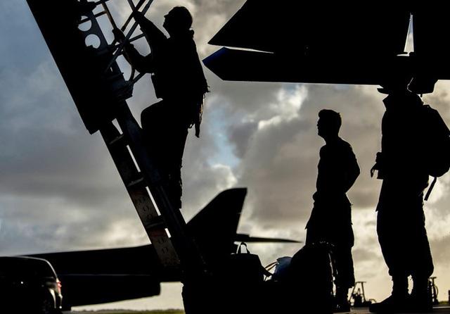 Mỹ nâng cấp tàu sân bay vĩnh viễn Guam để răn đe Trung Quốc - 4