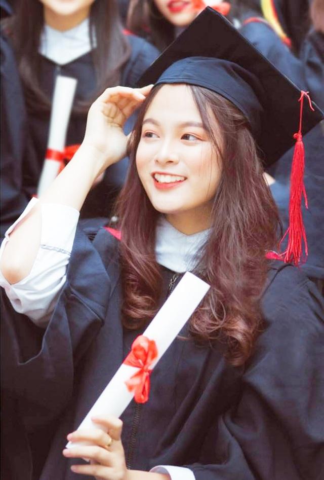 Từ nữ sinh chuyên Sử THPT Chu Văn An thành Hoa khôi Học viện Báo chí - 9