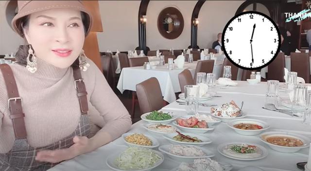 Mắc kẹt tại Trung Đông huyền bí, MC Thanh Mai khoe áo dài, nhớ café Việt - 7