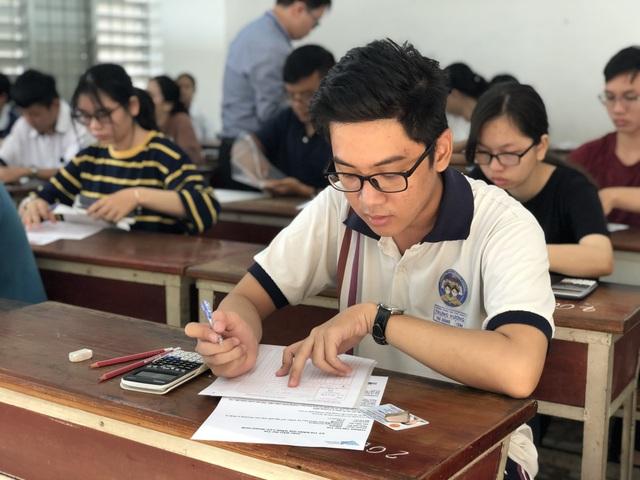 Hơn 63.000 thí sinh đăng ký thi Đánh giá năng lực ĐHQG TPHCM năm 2020 - 1