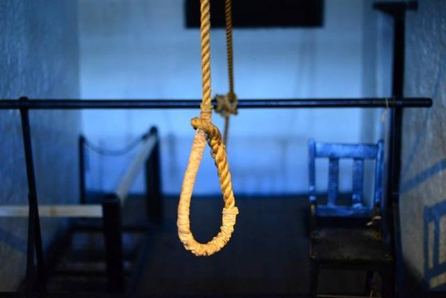 Thuê người giết... chính mình vì không dám tự tử - 1