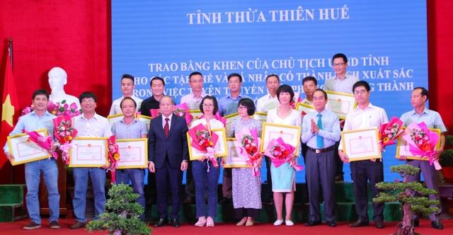 PV Dân trí nhận Bằng khen của Chủ tịch Thừa Thiên Huế - 1