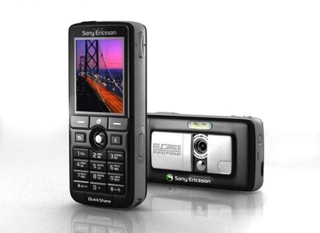 Nokia 1100, Moto RAZR và những chú dế độc đáo trước kỷ nguyên smartphone - 12