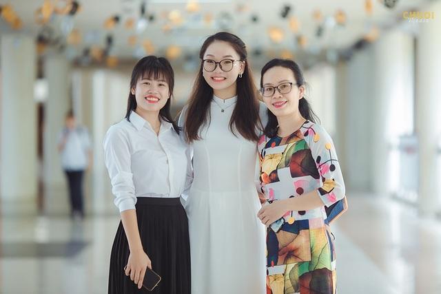 Đại sứ THPT Chuyên Hà Nội - Amsterdam rạng rỡ trong tà áo dài - 10