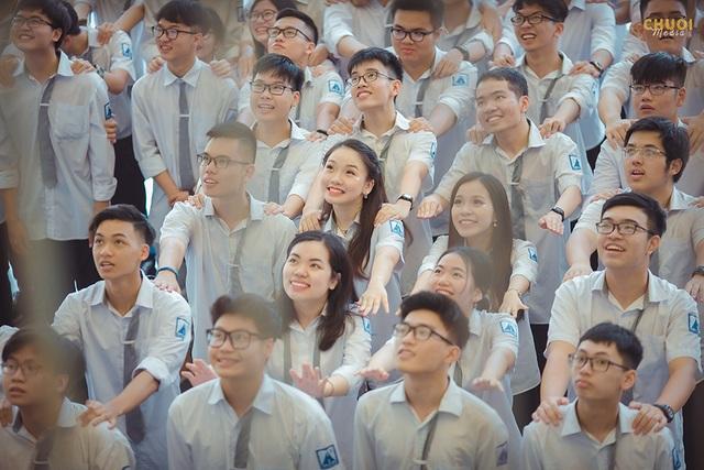 Đại sứ THPT Chuyên Hà Nội - Amsterdam rạng rỡ trong tà áo dài - 3