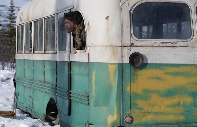 """Di dời """"chiếc xe buýt diệu kỳ"""" từng gây nên cái chết của hai du khách - 3"""