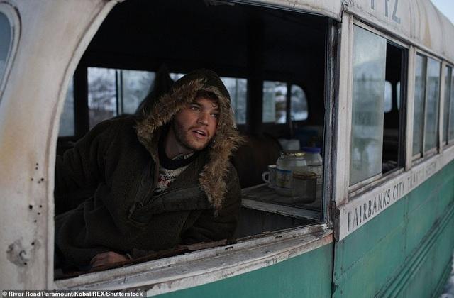 """Di dời """"chiếc xe buýt diệu kỳ"""" từng gây nên cái chết của hai du khách - 5"""