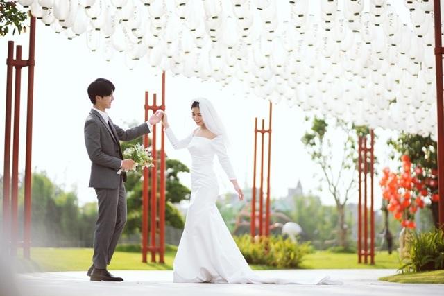 Ngất ngây bộ ảnh cưới đẹp như mơ tại vườn Nhật Bản Vinhomes Smart City - 3