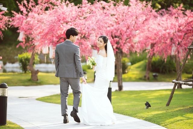 Ngất ngây bộ ảnh cưới đẹp như mơ tại vườn Nhật Bản Vinhomes Smart City - 4