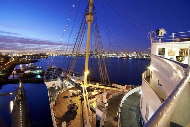 Du khách tò mò thám hiểm con tàu lịch sử Bóng ma nữ hoàng Mary - 11