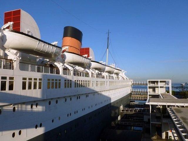 Du khách tò mò thám hiểm con tàu lịch sử Bóng ma nữ hoàng Mary - 7