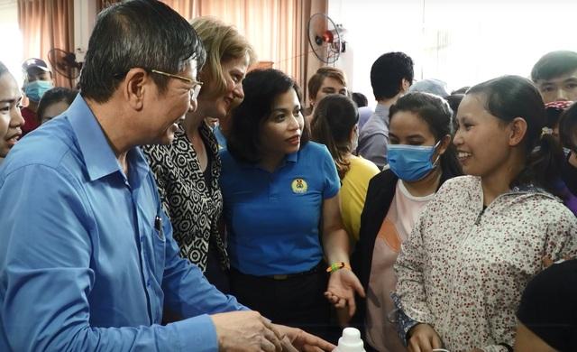 New Zealand mở siêu thị 0 đồng trợ giúp 1.500 công nhân tại Hà Nội - 1
