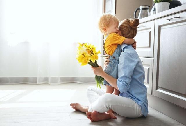 Vết thương tâm lý khó lường khi trẻ chứng kiến bố mẹ hành sự - 1