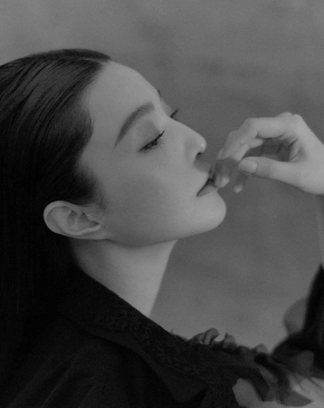 Phạm Băng Băng đẹp ma mị, khoe góc mặt hoàn hảo - 10
