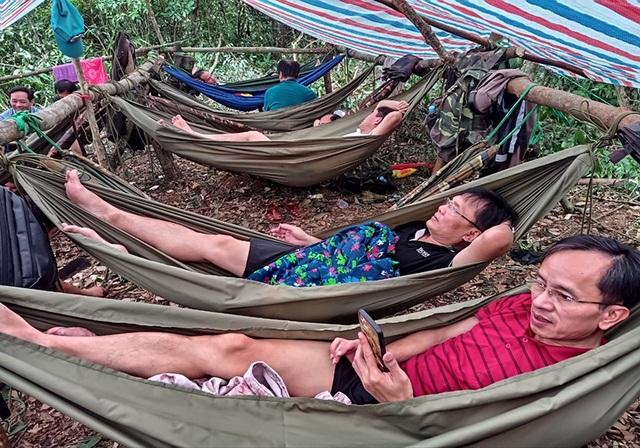 """Khám phá thác nước tuyệt đẹp còn """"ngủ yên"""" ở Hà Tĩnh - 16"""