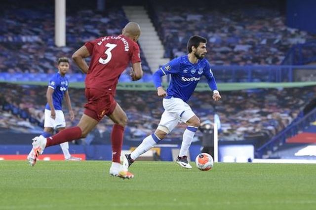 Everton 0-0 Liverpool: Một điểm may mắn của The Kop - 6