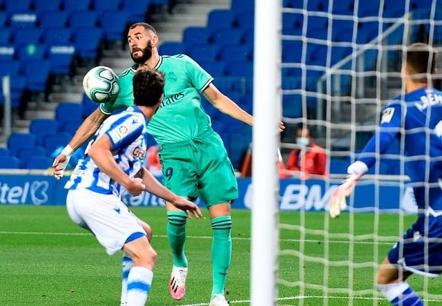 HLV Zidane tức giận, khẳng định Real Madrid không thắng nhờ trọng tài - 2