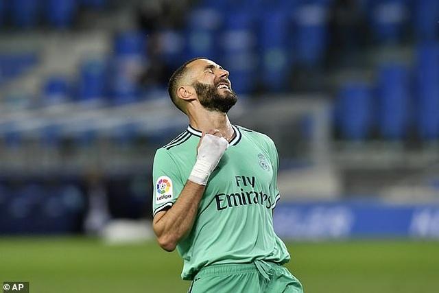 Hạ Sociedad, Real Madrid soán ngôi đầu bảng của Barcelona - 2