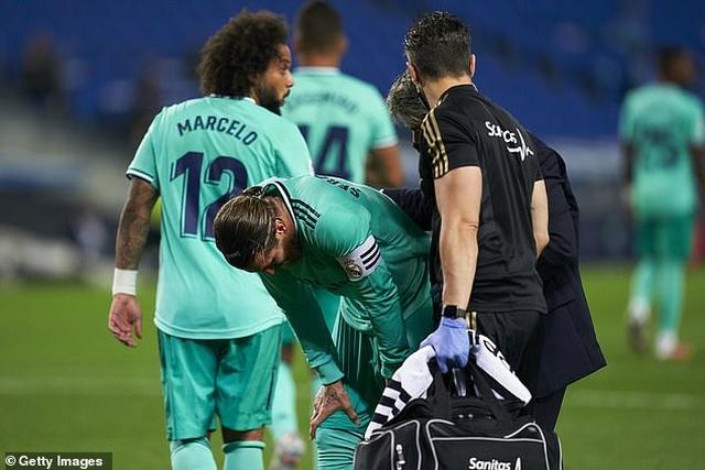Hạ Sociedad, Real Madrid soán ngôi đầu bảng của Barcelona - 5