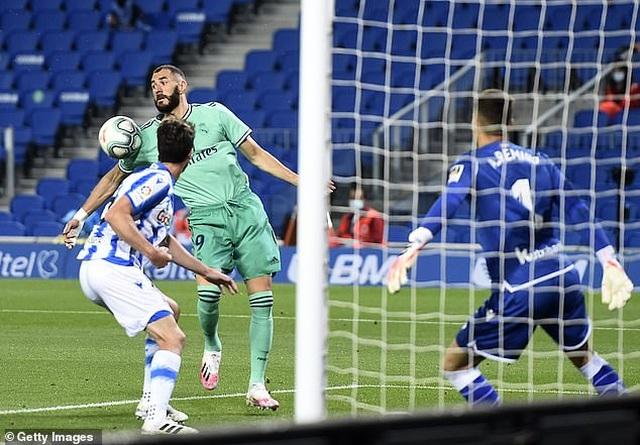 Hạ Sociedad, Real Madrid soán ngôi đầu bảng của Barcelona - 6