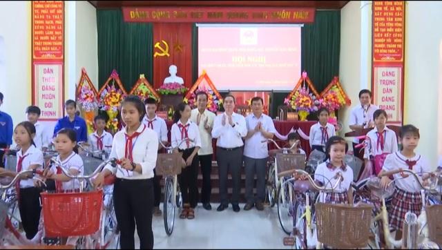Trưởng Ban Kinh tế Trung ương Nguyễn Văn Bình tiếp xúc cử tri Quảng Bình - 2