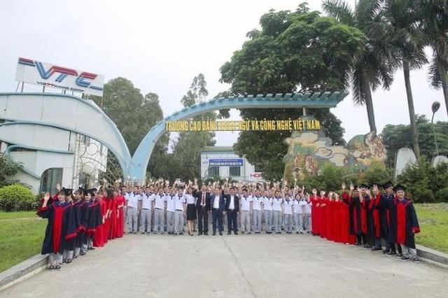 Cao đẳng Ngoại ngữ và Công nghệ Việt Nam tuyển sinh năm 2020 - 1