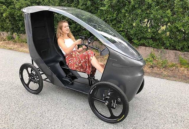 CityQ - Độc đáo xe đạp điện 4 bánh, chở được 3 người - 1