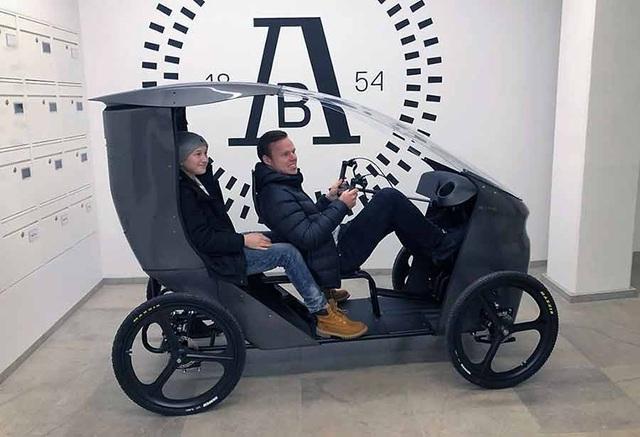 CityQ - Độc đáo xe đạp điện 4 bánh, chở được 3 người - 4