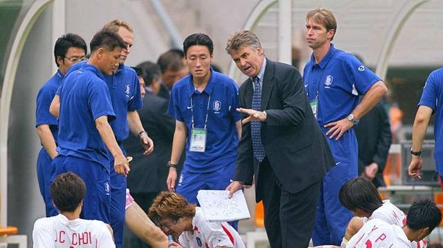 """HLV Park Hang Seo: """"Kinh nghiệm từ Hiddink giúp tôi thành công ở Việt Nam"""" - 2"""