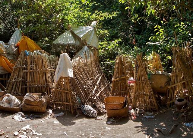 Thử thách khám phá đảo đầu lâu, nơi mai táng theo cách kì dị tại đảo Bali - 3