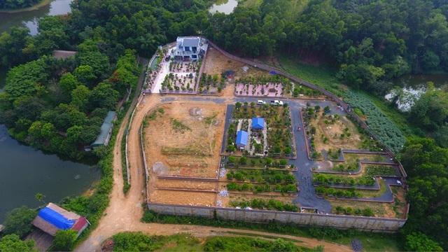 Bỏ 2 tỷ đồng mua đất ngoại ô: Vợ chồng trẻ làm nhà vườn, tay lái xế hộp - 3
