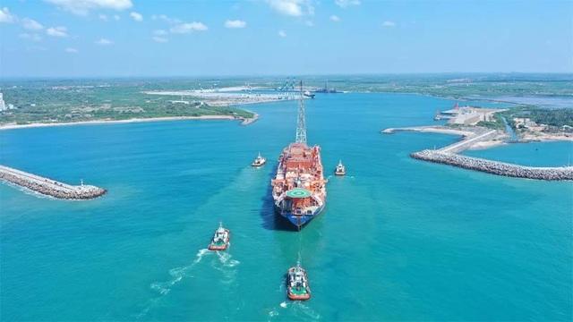 Hé lộ cách Trung Quốc thâu tóm cảng biển chiến lược của Sri Lanka - 2