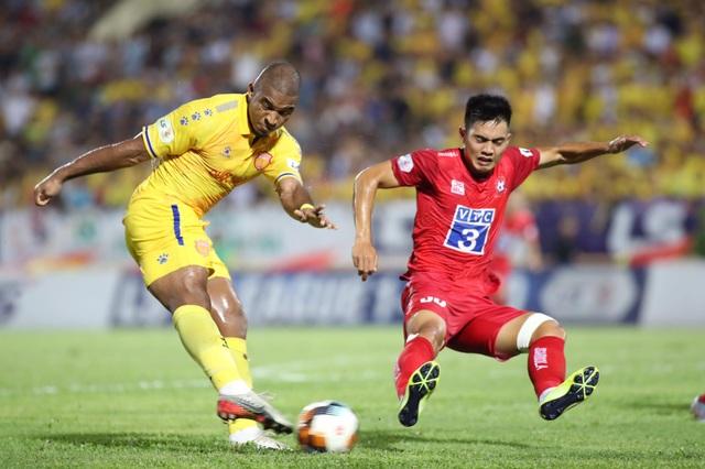 CLB Nam Định thua đau trên sân nhà trước CLB Hải Phòng - 2