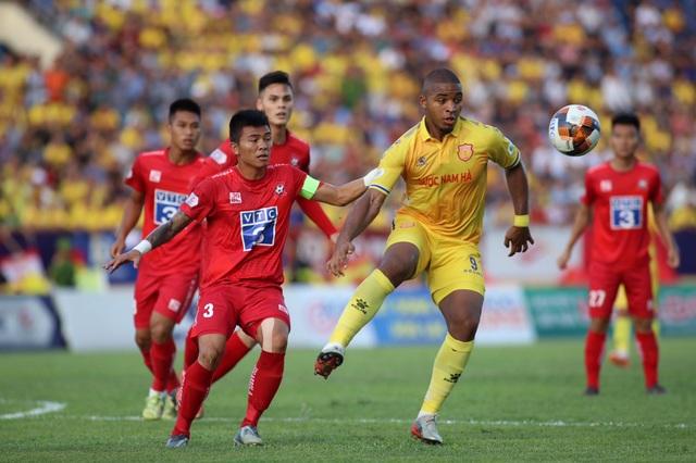 CLB Nam Định thua đau trên sân nhà trước CLB Hải Phòng - 3