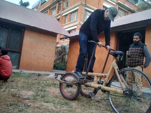 Độc đáo mẫu xe đạp điện đa năng bằng tre ở Nepal - 9