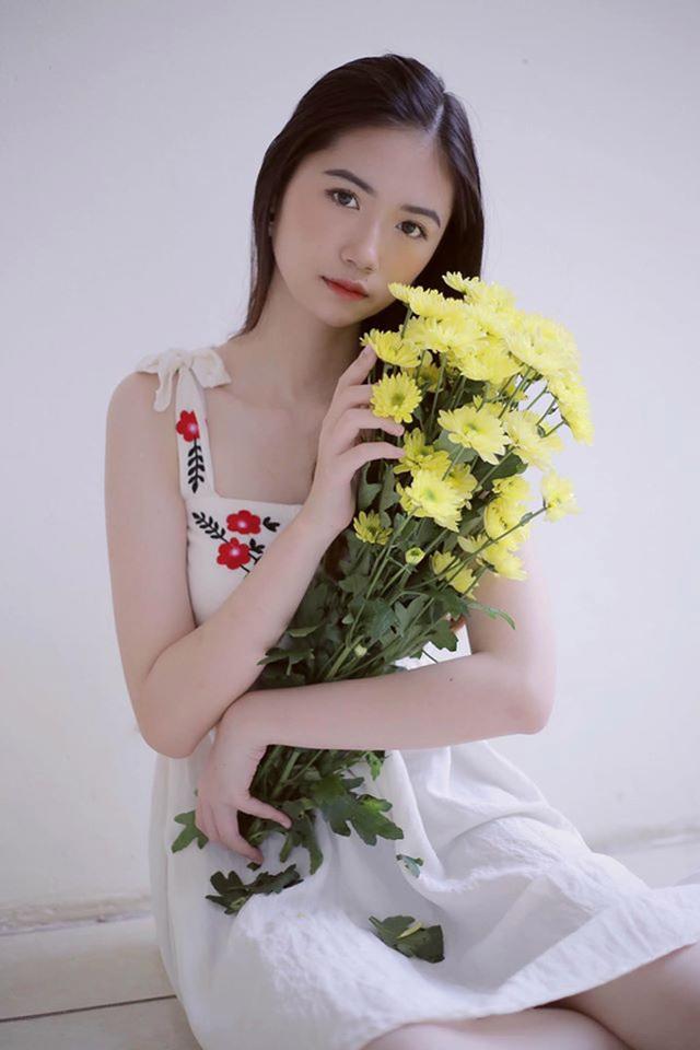 Nữ sinh 10X Hà thành được khen đẹp thuần khiết, dịu dàng - 8