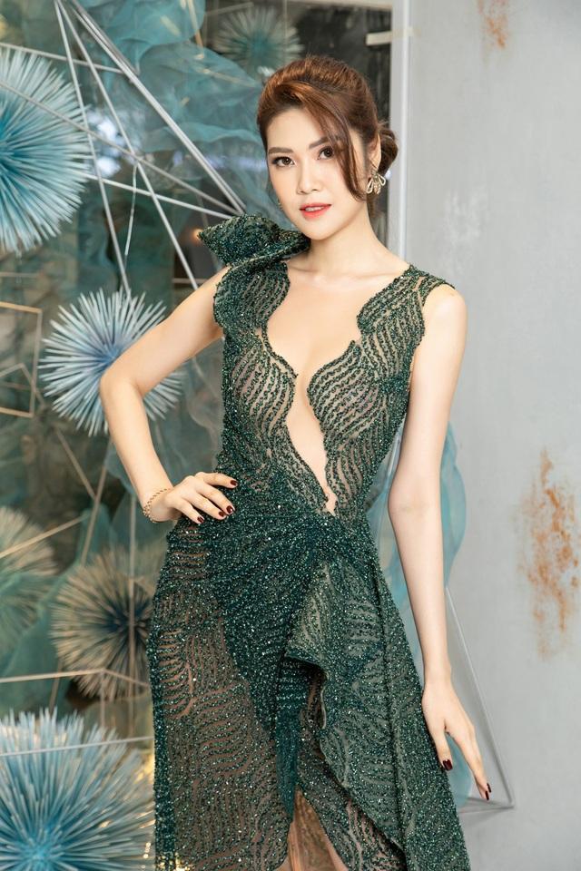 """Hoa hậu Hà Kiều Anh """"đọ sắc"""" cùng Trần Tiểu Vy và Mỹ Linh - 9"""