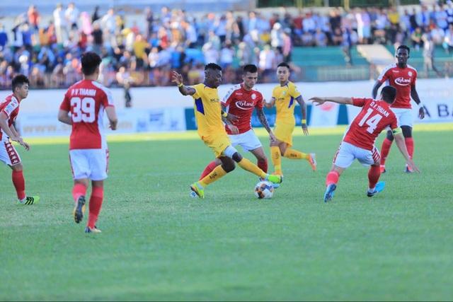 Công Phượng ghi bàn, TPHCM thắng đậm SL Nghệ An - 2