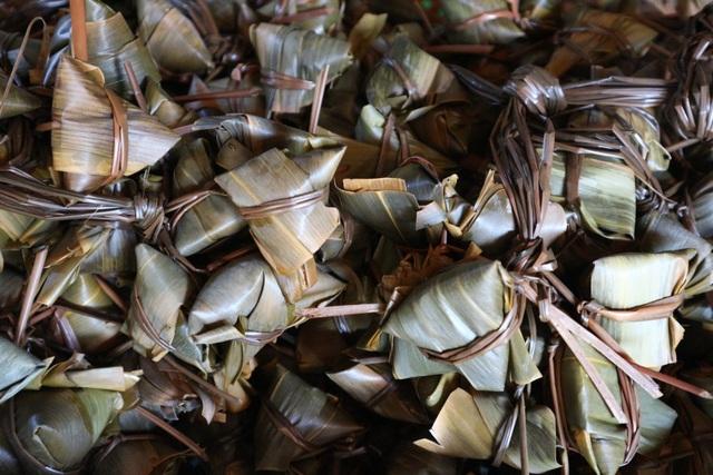 Bánh ú tro, vải thiều đắt hàng dịp Tết Đoan Ngọ ở Hội An - 2