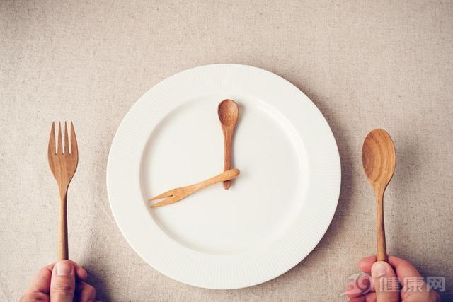 Bỏ bữa tối: Vừa không giảm mỡ thừa, vừa rước bệnh vào người - 4