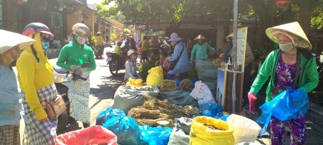 Bánh ú tro, vải thiều đắt hàng dịp Tết Đoan Ngọ ở Hội An - 5