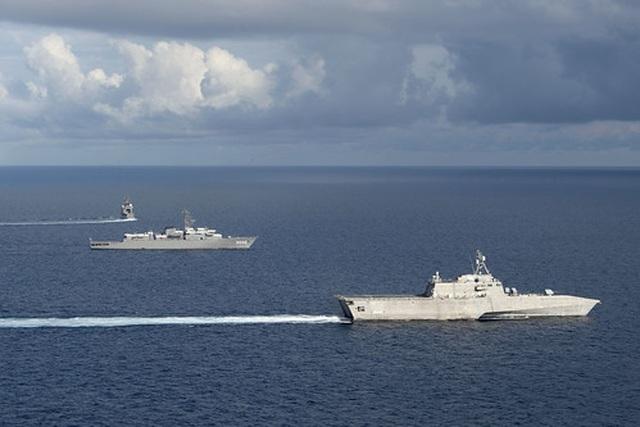 Mỹ điều tàu chiến tập trận với Nhật Bản trên Biển Đông - 3