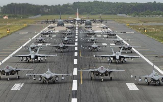 """31 máy bay quân sự Mỹ - Nhật phô diễn uy lực trong tập trận """"Voi đi bộ"""" - 8"""