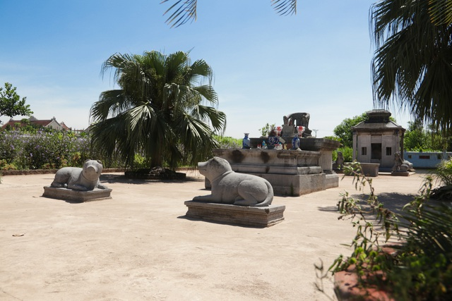 Hà Nội: Bí ẩn về khu lăng mộ đá tưởng chừng biến mất sau trận lũ lịch sử - 8