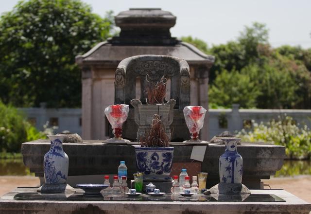 Hà Nội: Bí ẩn về khu lăng mộ đá tưởng chừng biến mất sau trận lũ lịch sử - 5