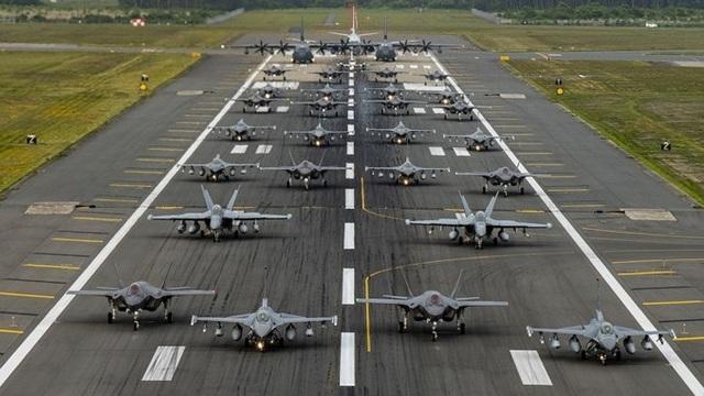 """31 máy bay quân sự Mỹ - Nhật phô diễn uy lực trong tập trận """"Voi đi bộ"""" - 1"""