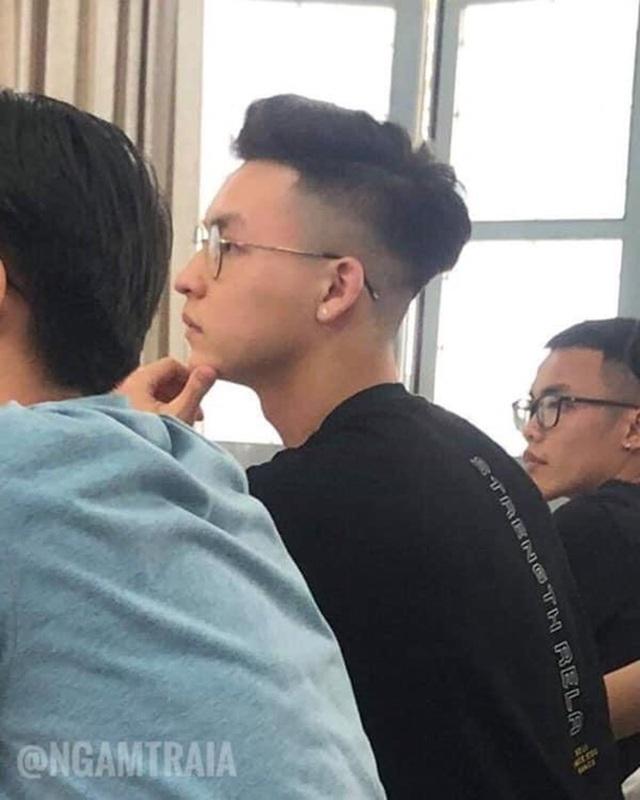 """Top 3 gương mặt nam sinh gây """"bão"""" mạng trong tháng 6 - 1"""